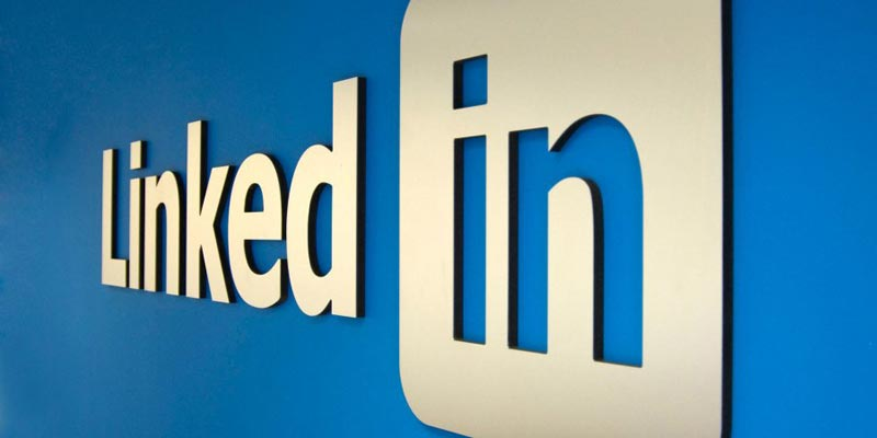 Why is LinkedIn The Best Social Media Platform For Lawyers? - Two Guys  Software